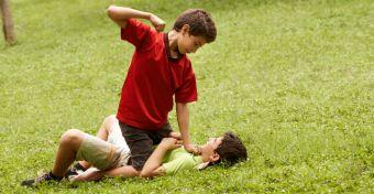 A vakmer� gyerekekb�l nagyobb val�sz�n�s�ggel lehetnek b�n�z�k?