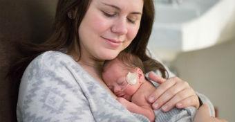 A bőrkontaktus óriási ereje - Csodás fotók készültek koraszülött babákról