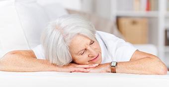 Időskorra egyre nehezebbé válik a pihentető, kiadós alvás