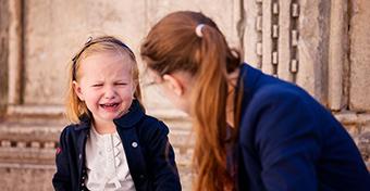 7 természetes gyógyír, ha fáj a gyerek hasa