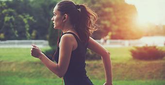 A teherbe eséshez és a terhesség alatt vissza kell fogni a sportot?