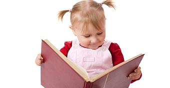 Már 3 évesen olvasni tanulnak a gyerekek