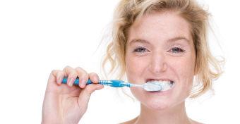 Az egészséges fogíny a hosszú élet titka a nőknél?