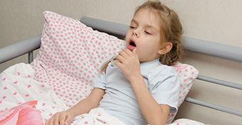 Mit tegyünk ha köhög, fullad a gyerek?