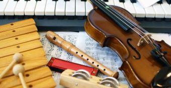 A hangszertanulás javítja az agy audio-motoros kapcsolatait