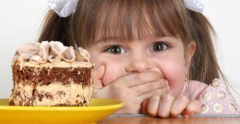 A cukor elveszi a gyerekek eszét - Szó szerint!