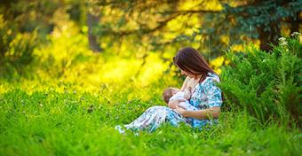 Féléves korára már csak a babák fele kap anyatejet