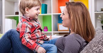 Hogyan seg�thetj�k a gyerek angol nyelvi fejl�d�s�t?