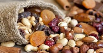 Óvatosan a magvakkal, aszalt gyümölcsökkel, friss zöldséggel!