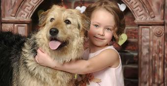 A kutyák meglepő hatásai a gyerekekre