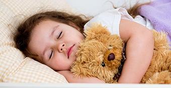 A korán fekvő gyermekek okosabbak, ügyesebbek lesznek!