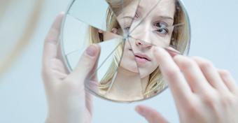A hormon�lis fogamz�sg�tl�k n�velik a depresszi� kock�zat�t