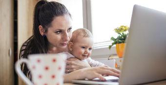 Távmunka számítógéppel - az anyák esélye