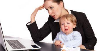 A folyamatos munka bűntudatba kergeti az anyákat