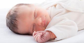 Új ajánlás a babák alvásáról