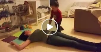 A stabil oldalfekv�s gyerekj�t�k! - VIDE�