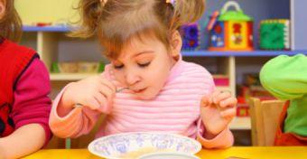 A közétkeztetés kockáztatja a gyerekek egészségét