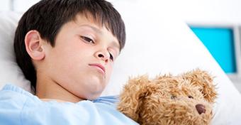 A szalmonellózis tünetei és kezelése a gyerekeknél