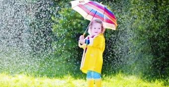 �gy foglald le a gyereket az es�s ny�ri napokon!