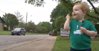Szívszorító: legjobb barátjától búcsúzik a két éves