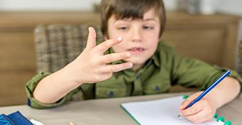 Az ujjaidon számolsz? Nem baj, még zseni is lehetsz!