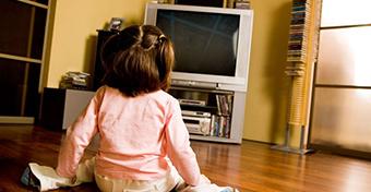 Ha tévé van a gyerek szobájában, elhízhat