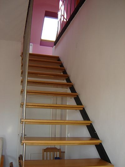 Lépcső, ami a tetőtérbe visz / Adok-veszek / Fórum