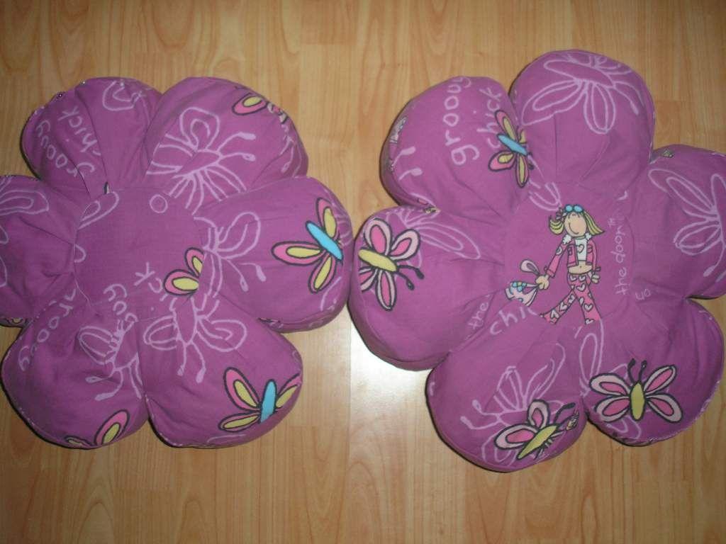 Gyermek párnák-lila virágok pillangóval / Adok-veszek / Fórum