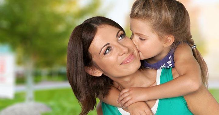 Jelek, hogy kötődési problémákkal küzd a gyerek