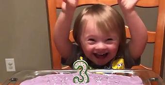 Ennél jobban még nem örült senki szülinapi tortának