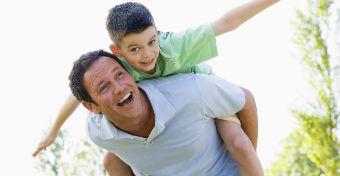 A te fiad elég szeretetet kap az apukájától?