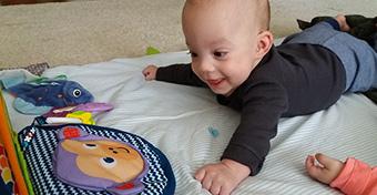A legimádnivalóbb tükrös babajáték
