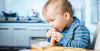 Nyers hússal eteti kisfiát a korábban vegán anya