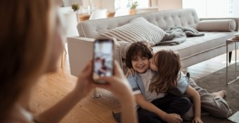 Hasznos tippek, ha otthon fotóznád a gyermekedet