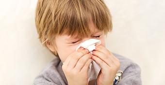 Vajon allergiás a gyermekem, vagy náthás?