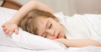 A gyerek altatása: 6 lépés a könnyű és gyors elalvásért
