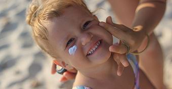 Amit a legtöbben rosszul tudnak a gyermekkori fényvédelemről