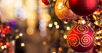 Hódítanak a pop-up karácsonyfák