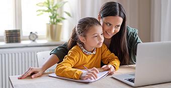 A gyerekek körében gyorsan terjed a fertőzés, az NNK szerint át kéne állni a digitális oktatásra