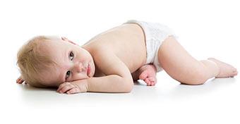 Bőrbajok a babáknál: pelenka-dermatitisz, ótvar és bőrgennyedés
