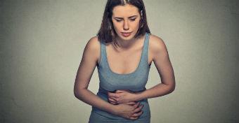 Mi köze az ételmérgezésnek a Crohn-betegséghez?