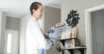 Mozgás a babával: ringatástól a táncig