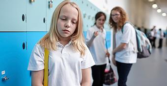 A koronavírusos gyerek kiközösítése is erőszaknak minősül