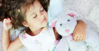 10 dolog, amit tudnod kell a gyerekek alvásáról