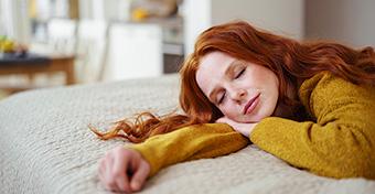 A vérnyomást is csökkenti a délutáni szunyókálás