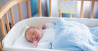 Így tanítsd meg a babád átaludni az éjszakát 10 nap alatt