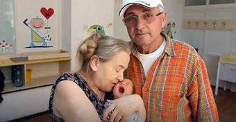 60 évesen lett anya, de a férje még aznap elhagyta
