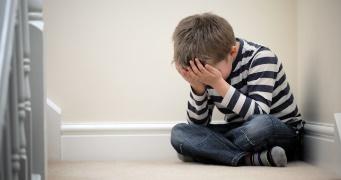 A testvéri zaklatás károsabb, mint hisszük