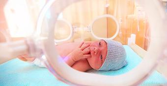 Nem sok jövőt jósoltak az orvosok a szürke zónában született kislánynak