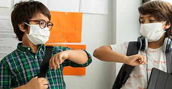 WHO: 12 éves kortól maszkot kellene hordani